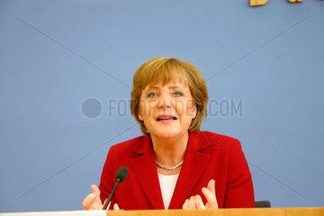 Berlin - Angela Merkel bei der presentation der CDU Wahprogramm