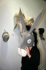 Berlin - Artforum 2005. Animal Farm  Masken von Stephen Wilks