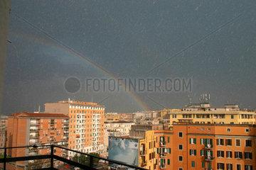 Gewitter und Regenbogens