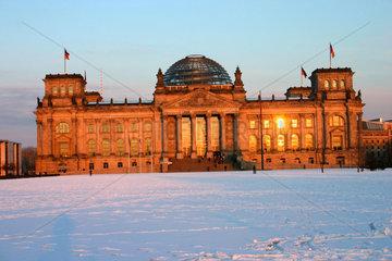 Berlin - Sonnenuntergang am Reichstag