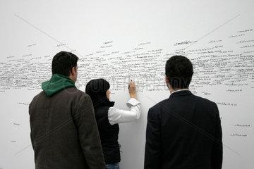 Pinakothek der Moderne  Namen und Hoehe