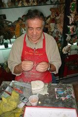 Vorbereitung von Krippen Figure in Neapel