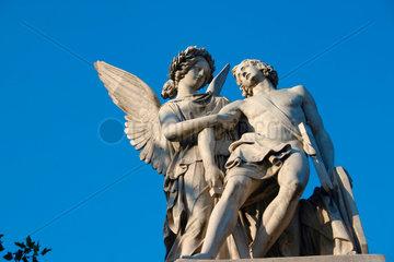 Engel Skulptur auf dem Schloss Bruecke