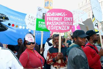 Bewegungsfreiheit statt Passkontrolle und Grenzen