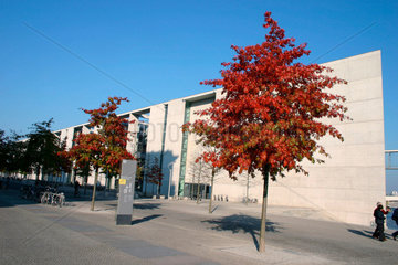 Herbststimmung vor die Paul-Loebe-Haus