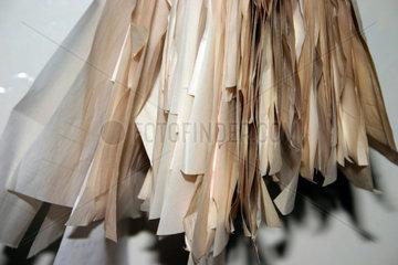 Haengende Papierzettel