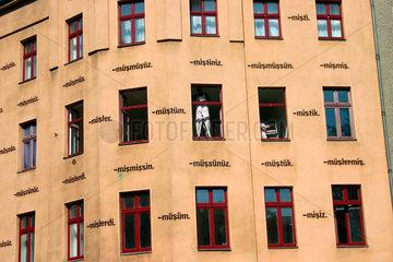 Schriftinstallation in Kreuzberg