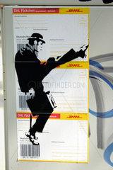 DHL Paeckchen Street art.