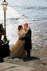 Hochzeitspaar am Lungomare