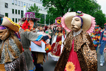 Berlin - bolivian dancers at the carnival of culture
