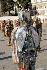 Rome - Trash People von Ha Schult