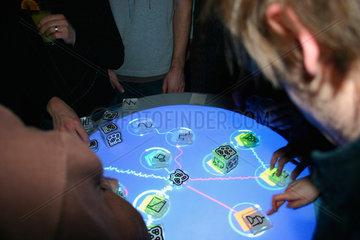 Tischspiel bei der Club Transmediale 2007