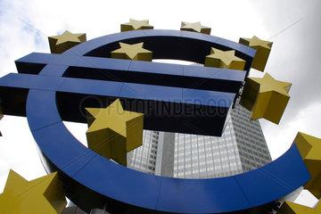 BCE Bank und Wolken
