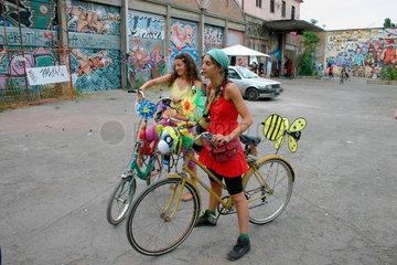 critical mass  Fahrrad demonstration in Rom