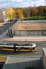 Berlin - Originale Grenzanlage der Berliner Mauer an der Bernauer Strasse.