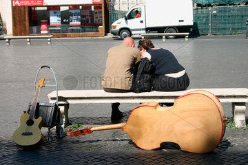 Italy  Rome - Strassenmusiker