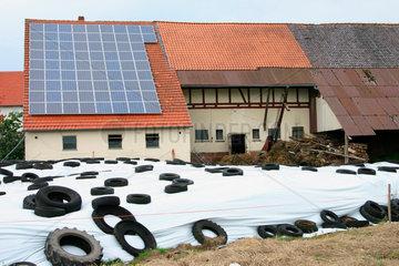 Photovoltaikanlage auf dem Dach eine Scheune
