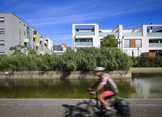 Essen  Ruhrgebiet  Deutschland  staedtebauliches Projekt Gruene Mitte Essen  Neubauviertel am Uni-Park