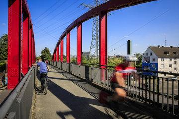 Essen  Ruhrgebiet  Deutschland  Krupp-Park  Radschnellweg Ruhr RS 1  staedtebauliches Projekt Krupp-Guertel