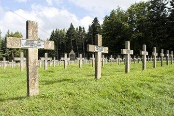 Le Linge  franzoesischer Soldatenfriedhof am Col du Wettstein