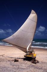 Fischerboot an der brasilianischen Kueste