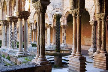 rom. Kreuzgang der Kathedrale von Monreale  Sizilien  Italy
