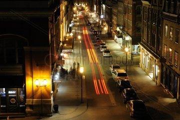 Nachtleben auf der Rue Saint Jean in der historischen Altstadt von Quebec Stadt