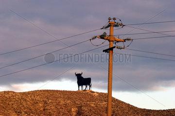 Stromleitung in spanischer Landschaft