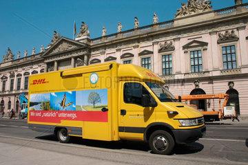 DHL Transporter der Deutschen Post