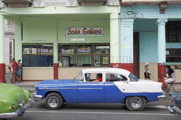 Galiano geschaeft in Havanna Centro