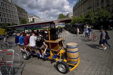 Beer Bike Booze Cruise in Berlin
