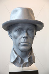 Karlsruhe  Deutschland  Skulptur -Joseph Beuys- von Ottmar Hoerl