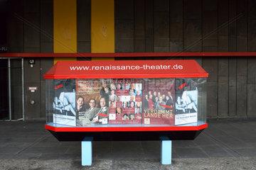 Berlin  ein Schaukasten mit Werbung fuer das Renaissance-Theater
