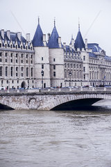 France  Paris  the Seine River at Pont au Change during a period of flooding