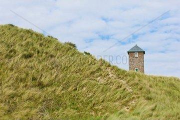 Turm in den Nordseeduenen  Niederlande  Zoutelande