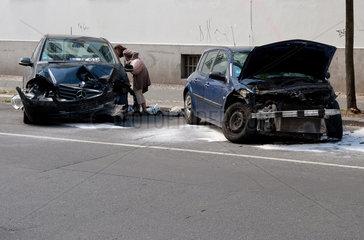 Berlin  Deutschland  Autowracks in der Schulstrasse in Berlin-Wedding
