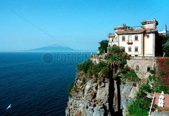 Sorrento  eine verfallene  prachtvolle Villa