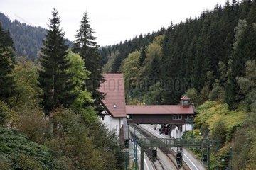 Der Bahnhof Oberhof von einem Berg aus fotografiert