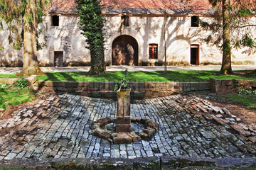 Klosterhof  Burgund  France