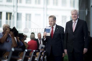 Hans-Georg Maassen  Horst Seehofer - Verfassungsschutzbericht