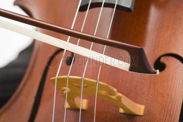 Cello und Bogen