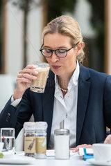 AFD Weidel Kaffee