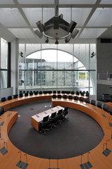 Berlin  Deutschland  Anhoerungssaal im Marie-Elisabeth-Lueders-Haus