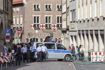 Am Tag nach dem Fahrzeug-Anschlag besuchen Bundes- und Landespolitiker Muenster