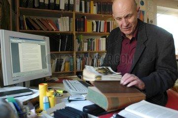 Prof. Dr. phil. Georg Fuelberth