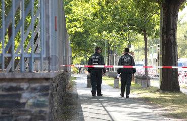 Berlin  Deutschland  Polizeieinsatz vor dem US-amerikanischen Konsulat