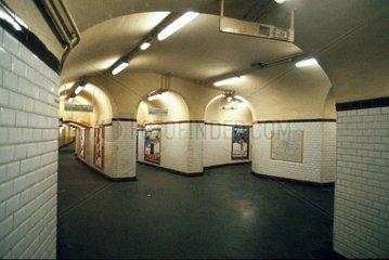 Reise durch die Metro