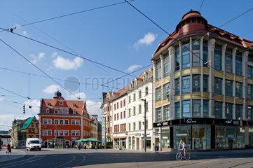 Halle/Saale  Deutschland  Wohn- und Geschaeftshaeuser am Marktplatz in Halle