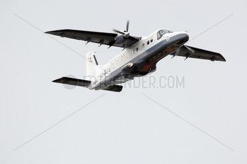 Cuxhaven  Deutschland  Pollution Control - Ueberwachungsflugzeug der Marine im Flug