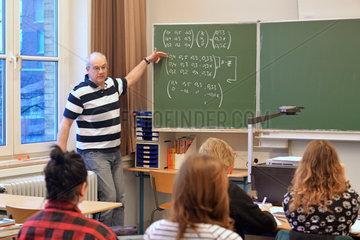 Mathematikunterricht 13.Klasse